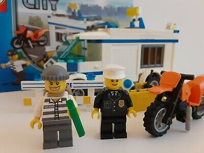 Lego 7286 Theme:City Police Prisoner Transport 100% Complete with Instructions
