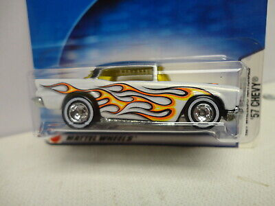 Hot Wheels '57 CHEVY White 1957 w/Flames TEXAS 2004 Nationals w/RR