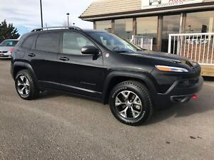 2016 Jeep Cherokee Trailhawk Bluetooth and Back Up Camera