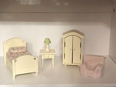 Pottery Barn Kids Westport Dollhouse Furniture - Excellent (Westport Kids)