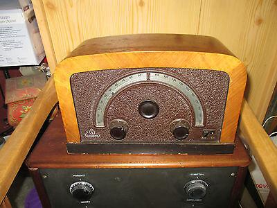 Radio Siemens 21 G von 1930 mit halbkreisförmiger Riesenskala top