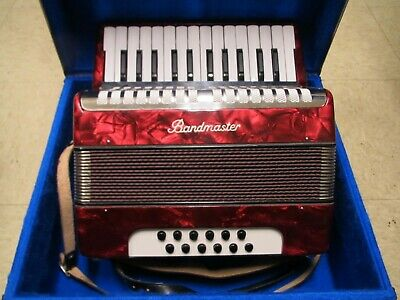 NICE Weldmeister Bandmaster 26 / 12 Bass Key Accordion Red in Case Germany