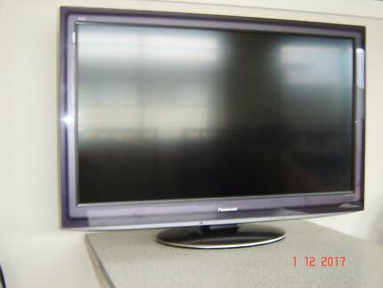 "PANASONIC Viera 37""  LCD Television Model TH-L37D25A"