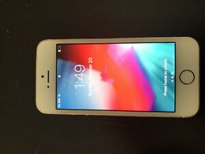 iPhone SE 32 gig in perfect condition
