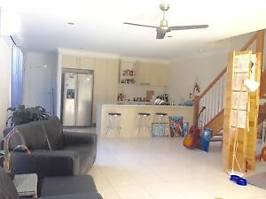 New houses room rent eat Griffith harbour town beach Biggera Waters Gold Coast City Preview