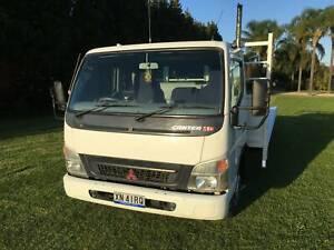Mitsubishi Fuso Canter truck 7/800