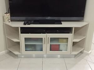 Corner TV unit Windsor Hawkesbury Area Preview