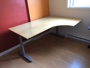 Bureau Ikea galant à vendre