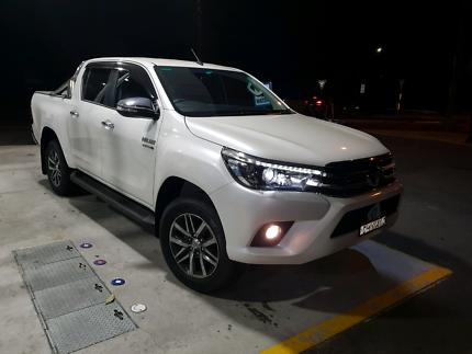 2017 Toyota Hilux SR5