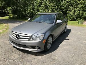 Mercedes Benz C-230 2009 (GREAT DEAL)