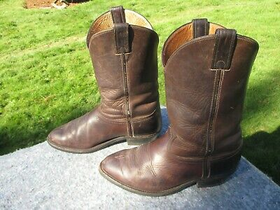 - MEN'S SIZE 11 EE CHIPPEWA DISTRESSED BROWN COWBOY BOOTS
