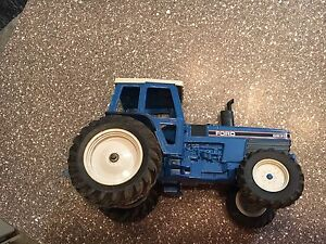 Ford 8830 Toy Tractor