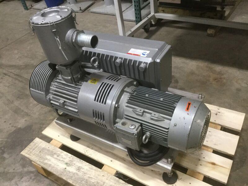 Busch R5 RA 0302 D Vacuum Pump Rotary Vane 360m³/h 12HP 208VAC 3Ø For Food Grade