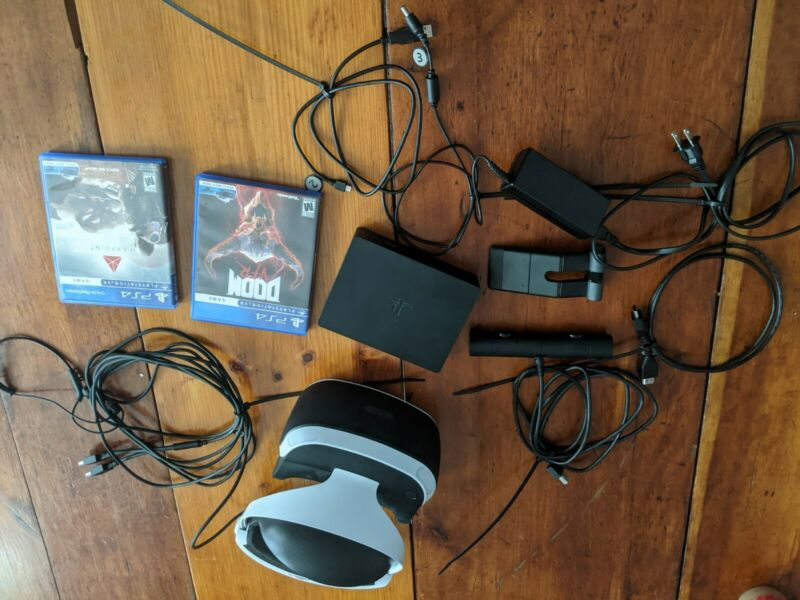 Sony CUH-ZVR1 PlayStation VR PS4 headset, processing unit, camera, 2 games