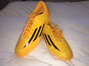 Brand new soccer shoes (Men)
