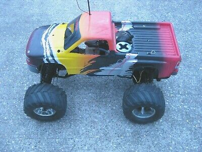 Vintage Traxxas Stampede 1/10 Racing Buggy@ radio very good running condition