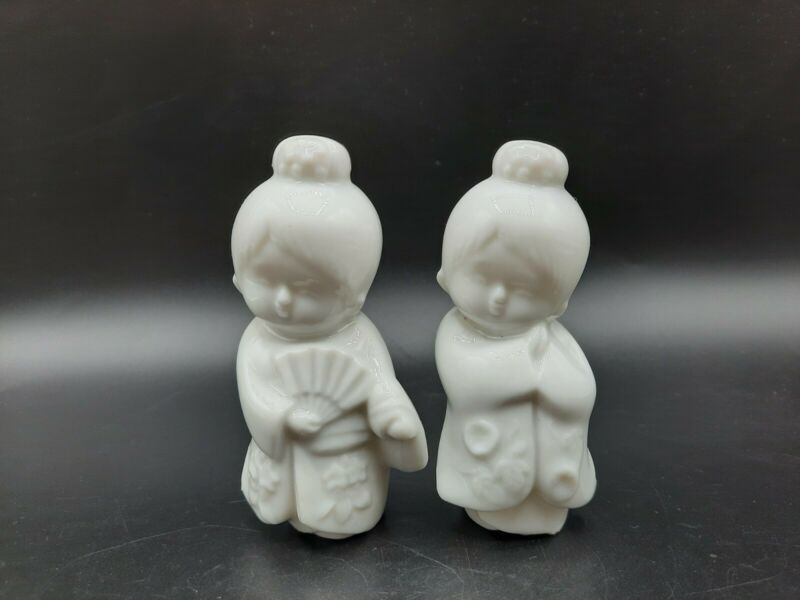 "Set of 2 OMC Japan White Ceramic Small Geisha Girl Figurines 3.5"""