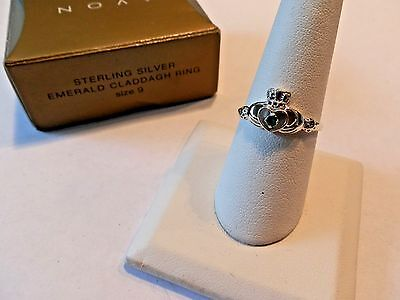 ~ AVON NEW OLD STOCK STERLING SILVER EMERALD CLADDAGH RING SIZE 9 BOXED