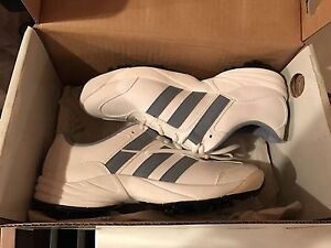 Women's Adidas Golf Shoes Size 6