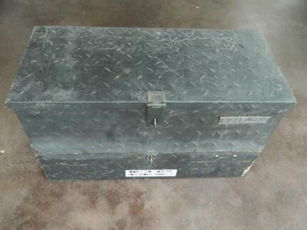 Custom steel tool box 760 x 330 x 460mm Geelong brand