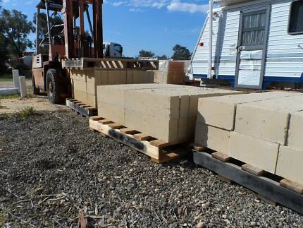 $2.40 ea RECON LIMESTONE 290x162x90 or $230/100 Wattleup Cockburn Area Preview