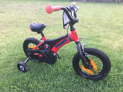 Kids bikes 16' with supporting wheels