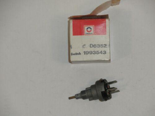 1963-1964 Corvette NOS GM 1993543  Windshield wiper switch