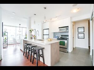 BEATIFULLY SUNNY ROOM 4 RENT. FURNISHED. (DOWNTOWN)