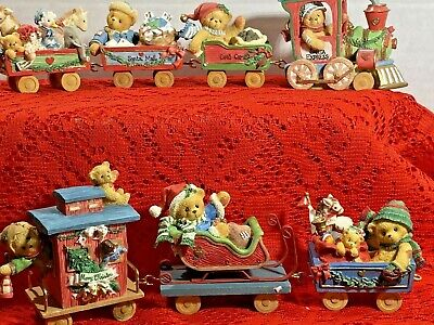 Christmas Train Set Engine Caboose Santa Mail Toy 7 Cars Set Cherished Teddies