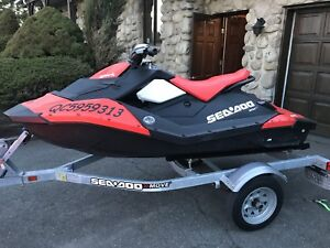 Sea doo Spark 90hp 2016 (30 heures seulement) 2p IRb