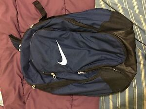 Nike sports bag Champion Lakes Armadale Area Preview