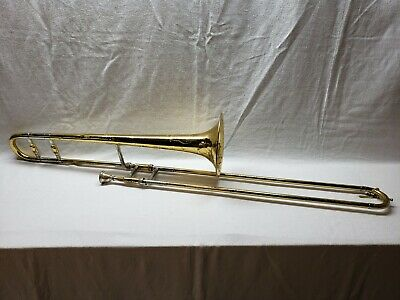 Golden Trombone in case  3 inch Collectible  FKE1127