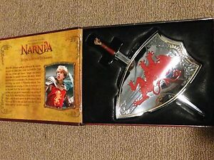 Chronicles of narnia collectors edition sword and shield London Ontario image 1