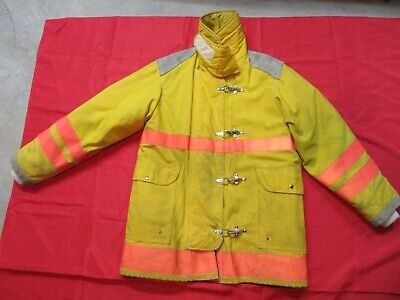 Firefighter Turnout Jacket Coat 40-42 Chest 32 Sleeve Quaker Safety Gear Fire