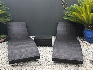 Wicker sun lounges & matching table Rothbury Cessnock Area Preview