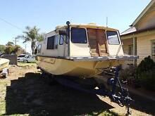 Trailerable Houseboat 6 bearth.  On Tralier Merbein Mildura City Preview