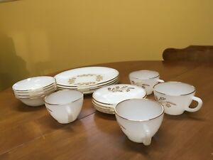 Vintage dishes, set of four