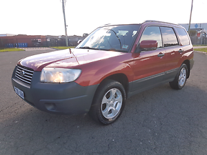 Subaru forester 2006 manual AWD 10 months rego Roxburgh Park Hume Area Preview
