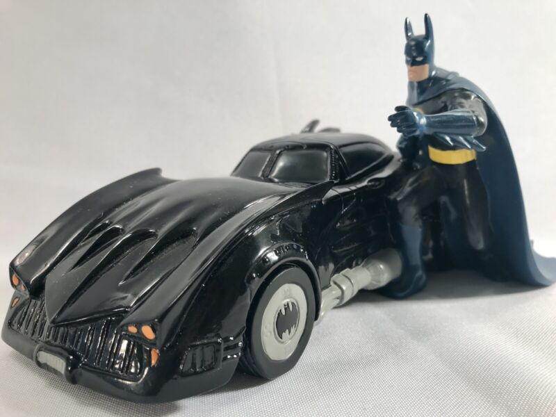 Warner Bros Store BATMOBILE PIGGY BANK Batman Resin Statue 2000