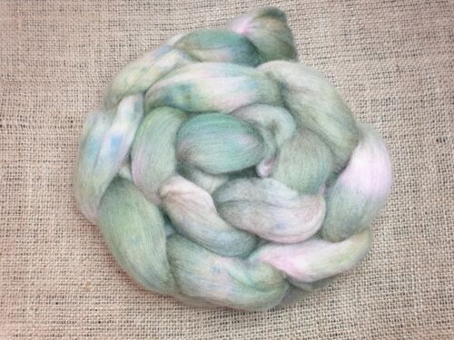 Hand dyed Merino roving, wool top, 100 g, ROOTED