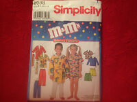 M-L Simplicity 2486 Ghost Family Costume Pattern S-M