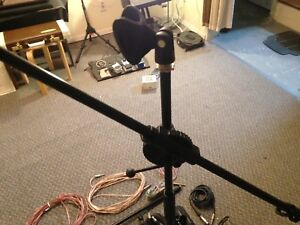 Microphone and stand / cables