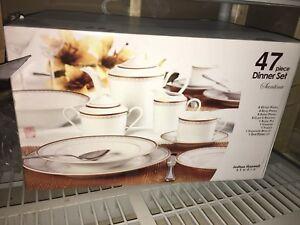 Brand new Maxwell Studio 47 pcs dinnerware