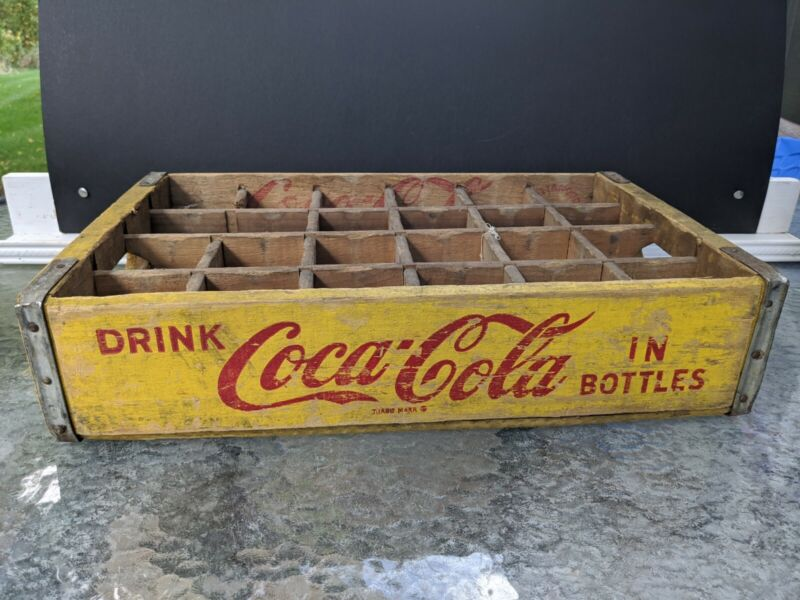 Vtg Yellow Wooden Wood Coca-Cola Coke Soda Crate 24 Pack Bottle Chattanooga 1967