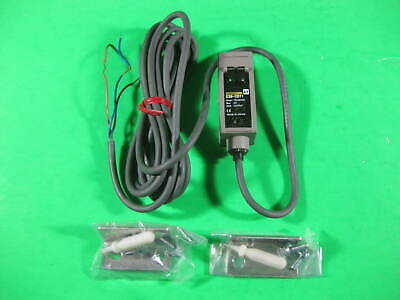 Omron Photoelectric Switch Sensor -- E3s-cd11 -- New