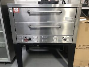 Peerless Gas Pizza Oven & Stand!