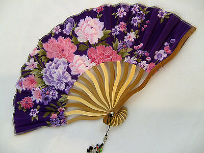 BEAUTIFUL SILK AND BAMBOO FAN WITH TASSLE TRINKET FEATURE - PURPLE FLORAL DESIGN