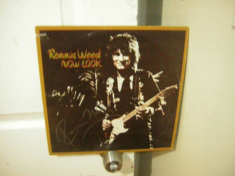 Ronnie Wood signed lp **Now Look ***1975***