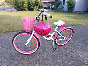 Girls cruiser 20inch Toormina Coffs Harbour City Preview