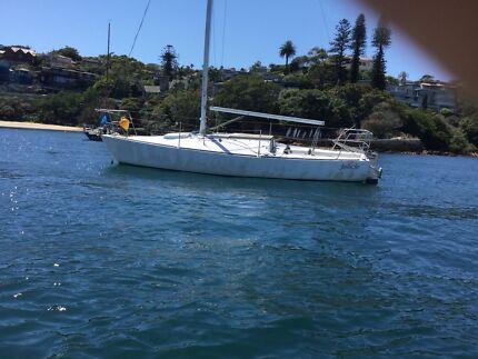 J 24 sail boat old/ possible mooring keeper